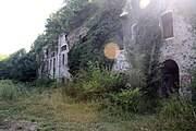 180px-La_facade_du_casernement_du_fort_de_Montavie-Wikipedia